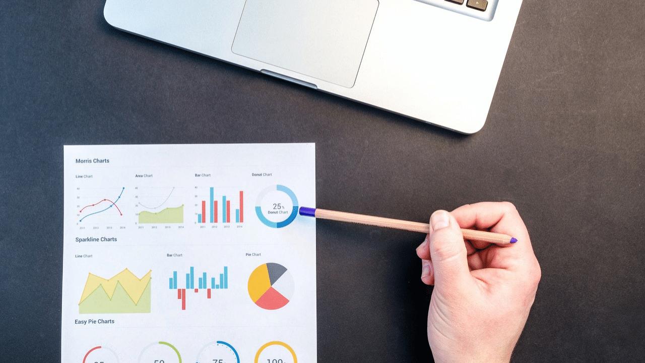 Obraz przedstawiający, jak prowadzenie bloga firmowego wpływa na zwiększenie sprzedaży.